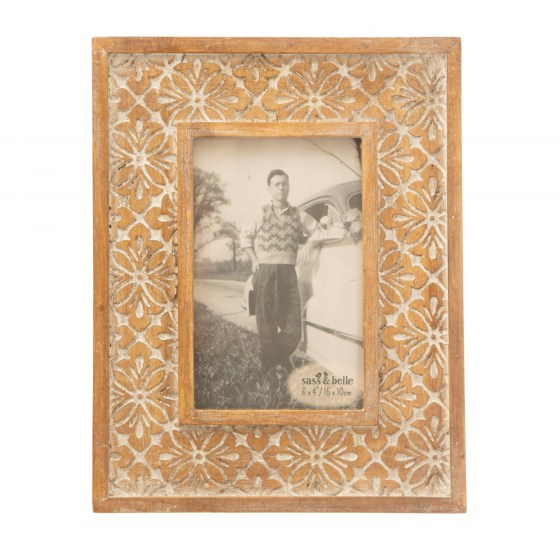 mor_gifts_interiors_A_Geo_Floral_Carved_Photo_Frame