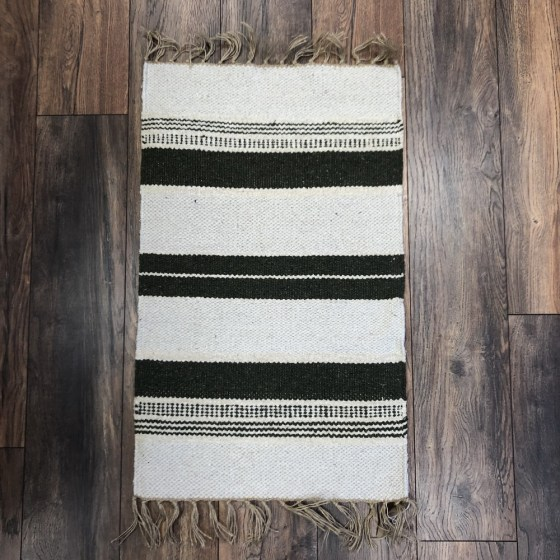 mor_gifts_interiors_green_rug