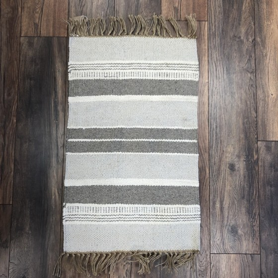 mor_gifts_interiors_grey_rug