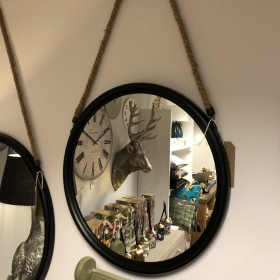 mor_gifts_interiors_medium_black_mirror