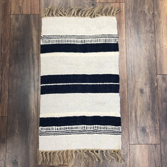 mor_gifts_interiors_navy_rug